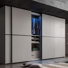 Contemporary, elegant 'Pennac' wardrobe. Great piece, very modern and easy to clean. My Italian Living.