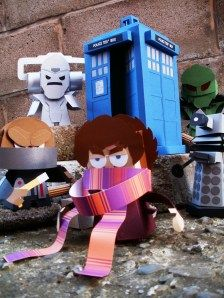 Dr Who paper toy by Dougy74. See hit site for other seriously cool paper toys.