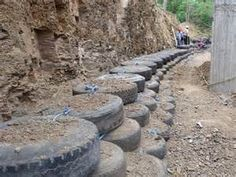 RETAINING WALL OUT OF TIRE - BUILD