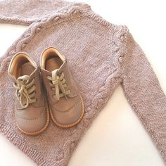 Ny strik og nye sko er et perfekt match..... The perfect match, new knit and new…