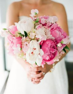 These Are Summer 17's Trendiest Wedding Bouquets - Wilkie Blog! - Pink and white peonies