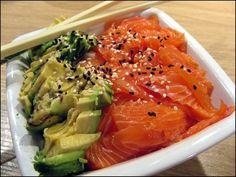 Chirashi (ou chirachi) au saumon et à l'avocat