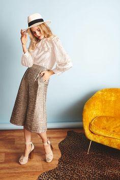 Alice + Olivia Pre-Fall 2017 Collection Photos - Vogue