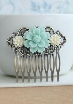 Soft Mint Green Chrysanthemum Flower Comb