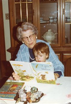 CLARK'S TALES: SIMPLE CHRISTMAS MEMORIES FROM A WISE WOMAN!