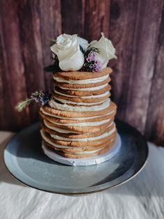 Cookie wedding cake, alternative, non traditional Wedding Cookies, Cake Wedding, Wedding Desserts, Wedding Menu, Wedding Ideas, Unconventional Wedding Cake, Nontraditional Wedding, Traditional Wedding Cakes, Traditional Cakes