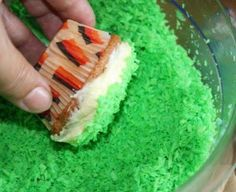 Ideen rund ums Basteln, Scrapbooking , Kochen und Backen: Fußball Cupcakes to do Soccer Birthday Parties, Soccer Party, Healthy Cupcakes, Yummy Cupcakes, Cupcake Party, Cupcake Cakes, Purple Velvet Cakes, Football Cupcakes, Recipe Cup