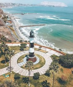 La Marina lighthouse is an active lighthouse above the Pacific Ocean, in Miraflores a district of Lima, the capital of Stuff To Do, Things To Do, Love Park, Pacific Ocean, Ceviche, South America, Night Life, Teen, Lighthouses