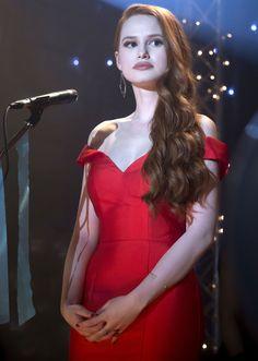 Riverdale Star Madelaine Petsch on Season 2