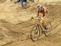 НАЧИНАЕТСЯ ПОРА ЦИКЛОКРОССА - СПОРТ,ПРЕПЯТСТВИЯ,ГРЯЗЬ, УДОВОЛЬСТВИЕ!!!!!! а у нас уже есть велосипедный шлем Giro Revel - http://www.velovek.com/shop/helmet-giro-revel-white/  #bikeporn #bikesport @pro_tour_cycling #helmets #giro #lavuelta @lavueltaaespana2016 #cycling #bicyclegear #велоспорт #шлем #велоаксессуары #velovek