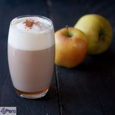 Cafe au lait de luxe - english recipe - This apple cafe au lait de luxe ingredients are coffee and milk and a delicious honey / Appel syrup. Lovely warming after a long walk in the woods.