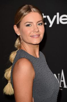 2015 Stylish Celebrity Hairstyles: Elisha Cuthbert Segmented Ponytail  #hair #hairstyles #haircuts