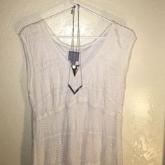 Boho White Dress Size 16 woman's. stretch. Excellent condition Dresses Midi