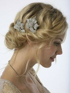 Glamorous #bows for your #Wedding #hairstyle