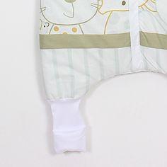 """Sac de dormit """"Prieteni noi"""". Sac de dormit cu picioare de iarnă pentru bebelușii care încep să meargă și copii Grosime – 2.5 tog – este recomandat pentru temperatura camerei între 18-22 °С. Căptușit. - Șosete integrate pentru serile mai reci - Banda elastică de sub braț - așa sacul vine mai bine pe corpul copilașului - Fermoar YKK cu închidere în fața #sacdedormitcopii, #sacdedormitcupicioare, #saculetifermecati, #saccopii, #copii, #somncopii, #copiidezveliti, #NightKnight Baby, Fashion, Moda, La Mode, Newborn Babies, Fasion, Infant, Baby Baby, Doll"""