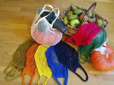 Un filet à provisions couleur soleil! Crochet Diy, Filet Crochet, Crochet Granny, Crochet Gifts, Patron Crochet, Crochet Christmas Gifts, Crochet Market Bag, Net Bag, Handmade Tags