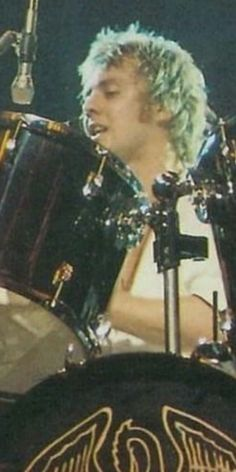 Brian May, John Deacon, Adam Lambert, Freddie Mercury, Queen Drummer, Roger Taylor Queen, Old Friends, Blue Eyes, Blonde Hair