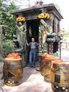 Halloween House Decorations | Here are some cool things I found while zipping around the internet:
