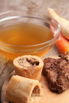 Making Homemade Chicken & Beef Stock - So Easy it Should be a Crime! - Happy Money Saver Making Homemade Chicken & Beef Stock - So Easy it Should be a Crime! Canning Recipes, Beef Recipes, Soup Recipes, Make Chicken Broth, Slow Cooker, Beef Bone Broth, Pork Broth, Gaps Diet, Freezer Meals