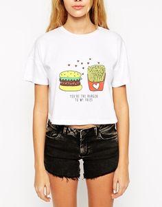Aumentar Camiseta corta con estampado de hamburguesa y patatas fritas de ASOS