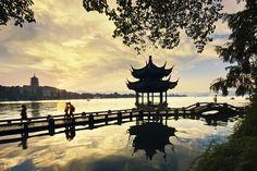 La ciudad de Hangzhóu y el lago del Oeste