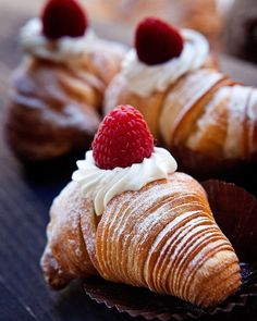 """68 """"Μου αρέσει!"""", 3 σχόλια - Theodosis Georgiadis (@theodosis) στο Instagram: """"Ble bakery divine sweets photo by #theodosisgeorgiadis #foodphotography #instafood #foodstyling…"""""""