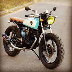 Garagem Cafe Racer : CG 150 by Buds Motorcycles Cx500 Cafe Racer, Cg 125 Cafe Racer, Estilo Cafe Racer, Honda Scrambler, Cafe Racer Style, Cafe Racer Bikes, Scrambler Motorcycle, Bike Style, Bobber