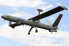 Israel Aerospace Industries signed a joint venture with Brazil's Synergy Group to manufacture Unmanned Air Vehicles (UAV) (drones) to fight drug trafficking in Brazilian borders under the condition that the aircrafts are not sold to Venezuela. Military Robot, Us Military, Military Aircraft, Drones, Uav Drone, Face Recognition Camera, Brazilian Air Force, Armed Forces, World Cup