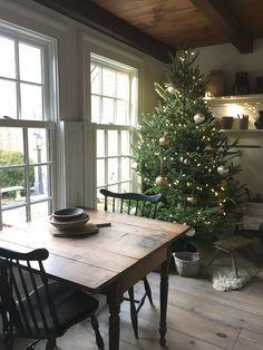 Natural Christmas, Cozy Christmas, Primitive Christmas, Christmas Deco, Country Christmas, Deco Champetre, Creation Deco, Christmas Inspiration, Decoration