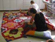 En blogg om vårat designarbete med mattor, återbruk, experimentiella textila tekniker.