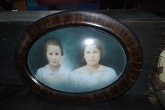Antique Oval Colour Picture Frame Unique Design Fashion Couple People Easter