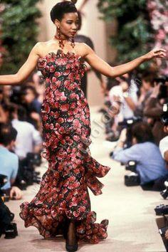YSL H.C 1987 Model Mounia Orosemane 2000s Fashion, All Fashion, Couture Fashion, Vintage Fashion, Fashion Women, Vintage Style, Saint Laurent Paris, St Laurent, Ysl