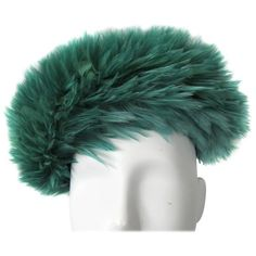 Preowned Vintage Green Feathered 1960s Beret Hat ($425) ❤ liked on Polyvore featuring accessories, hats, green, beret hats, green beret, vintage hats, green hat and green beret hat