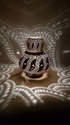 Kürbislampe Ornamental Lampe Kalebassenlampe by AtelierPumpkinArt Gourd Lamp, Rangoli Designs, Felt Diy, Ceramic Clay, Dremel, Gourds, Interior Design Living Room, Home Art, Diy And Crafts