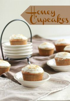 Honey Cupcakes with Cream Cheese Frosting ♥
