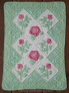 Authentic Vintage 30-40s Doll QUILT Applique Pink Roses on Green 26x18"