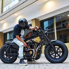 See this Instagram photo by @showoffmyharley • 3,149 likes