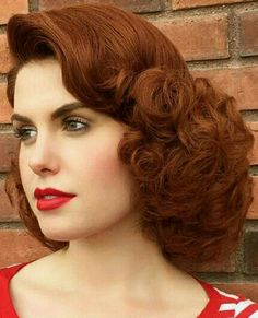 Beautiful Redhead, Big And Beautiful, Curl Curl, Vintage Hairstyles, Updos, Redheads, Your Hair, Curls, Wigs