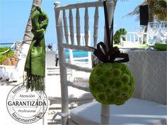 Pomander de puma verde ideal paa utilizarlo como corsage de sillas   #LMflowers #Flowers #LoveMemories #Weddings #CreandoMomentosMemorables  #Cancun #Rivieramaya #Cancun #Holbox #Playadelcarmen #Tulum #IslaMujeres