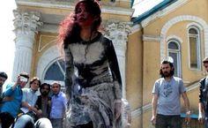 Frappante reconstitution du lynchage d'une femme à Kaboul | Les Observateurs de FRANCE 24