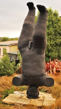 Weird Sculpture of the Week - Dunedin, New Zealand