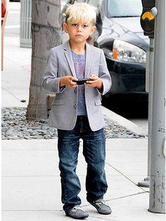 Kingston Stefani wearin Grey Morgan loafer by Venettini