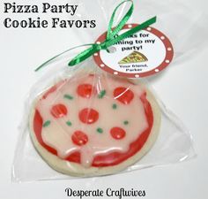 Desperate Craftwives: Pizza Party Favors - I'm not sure I would use this recipe but I love the idea!
