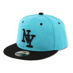 Casquette Enfant Bleu Ciel et Noir New York à partir de 7 ans  mode   bonplan  cool  casquette  snapback 8abe76551f95