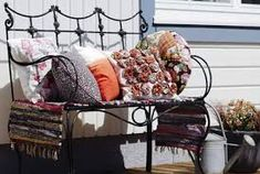 rautasohva terassilla - Google-haku Bassinet, Google, Furniture, Home Decor, Crib, Decoration Home, Room Decor, Home Furnishings, Baby Crib