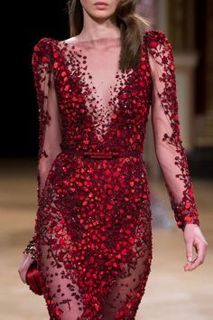 Ziad Nakad at Couture Fall 2016 - Details Runway Photos Source by modaartisans dresses runway Haute Couture Style, Couture Mode, Couture Details, Couture Fashion, Runway Fashion, Red Fashion, High Fashion, Fashion Fall, Couture Dresses