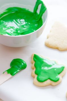 This is the only cut out sugar cookie and icing recipe you need! The cookies are buttery and tender and our fool-proof icing recipe makes decoration easy. Best Sugar Cookie Icing, Favorite Sugar Cookie Recipe, Rolled Sugar Cookies, Sugar Cookies Recipe, Cookie Recipes, Cut Out Cookie Frosting, Sugar Frosting, Shortbread Cookies, Frosting Recipes