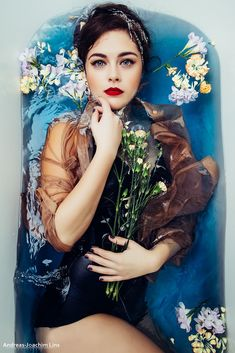 Portrait Of Beautiful Woman With Flowers In Bathtub Photography , Artistic Portrait Photography, Underwater Photography, Photography Women, Boudoir Photography, Creative Photography, Photography Ideas, Levitation Photography, Exposure Photography, Stunning Photography
