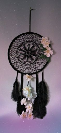 Black dream catcher Wall hanging dream catcher by FineBubbles Beautiful Dream Catchers, Black Dream Catcher, Dream Catcher Craft, Large Dream Catcher, Dream Catcher Boho, Bead Crafts, Arts And Crafts, Diy Crafts, Mobiles