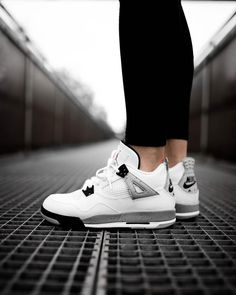 "Air Jordan 4 Retro GS ""White Cement"""